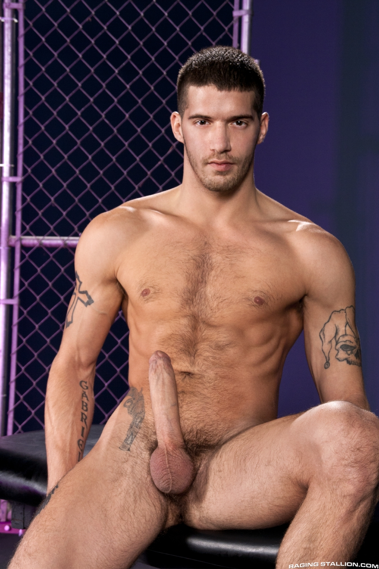 Raging Stallion – Ty Roderick, James Ryder