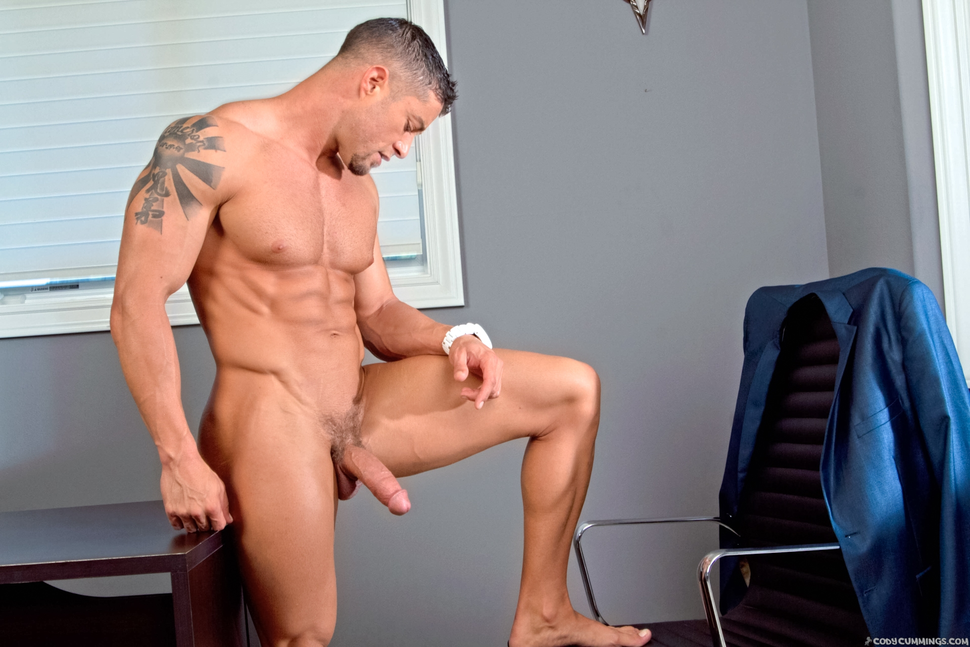 Cody Cummings – Dressed To Thrill